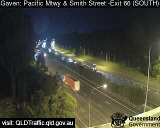 Pacific Motorway & Smith Street – Exit 66