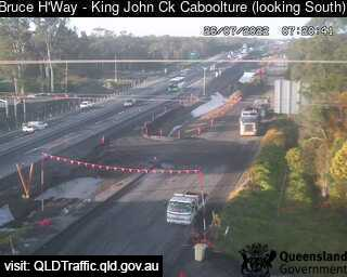 Traffic camera Bruce Hwy-King John Ck(Caboolture)looking south - Caboolture Traffic, River Height and Weather Information